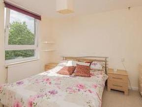 Flat to rent, Lily Close W14
