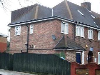 Seven Sisters Rd, Manor House N4