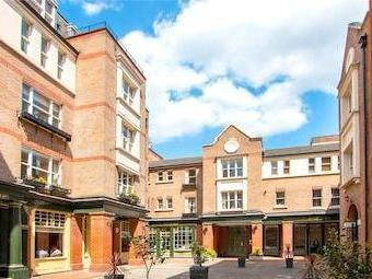 Pied Bull Court, Galen Place Wc1a
