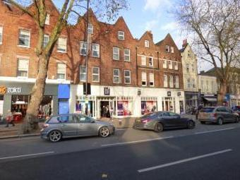 Chiswick High Road, Chiswick W4