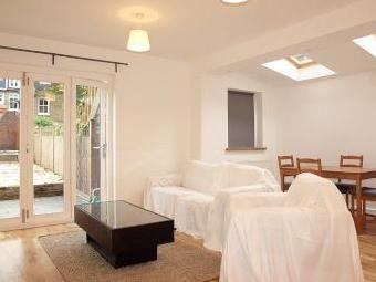 Cambray Road Sw12 - Double Bedroom