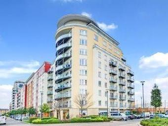 Boulevard Drive, Colindale Nw9 - Lift
