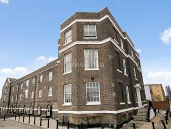 Flat to let, Foreshore Se8 - Balcony