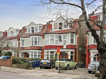 Flat for sale, Lynton Road W3