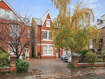Florence Road W5 - Double Bedroom