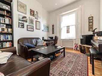 Flat to let, East Hill Sw18