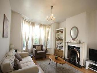 Purves Road Nw10 - Double Bedroom