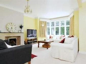 Highlands Heath, Putney Sw15 - Modern