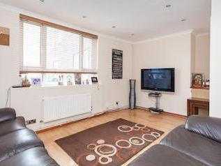 Stanhope Parade Nw1 - Double Bedroom