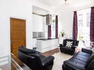 Flat to let, Queensway W2 - Reception
