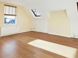 Madeley Road W5 - Reception