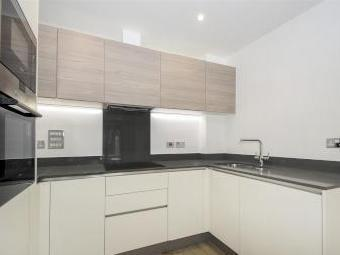 Flat to rent, East Hill Sw18 - Lift