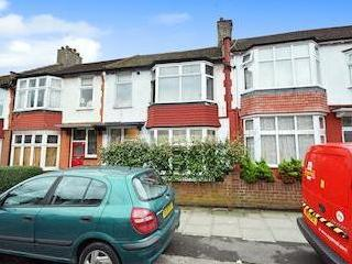 Squires Lane, Finchley Central N3