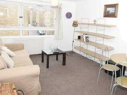 Nantes Close Sw18 - Double Bedroom
