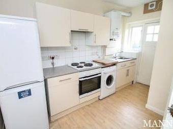 Flat to let, Court Road Se9