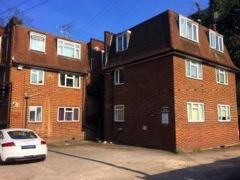 Chandlers Way, Romford RM1 - Flat