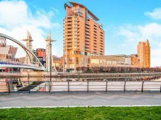 The Quays, Salford M50 - Dishwasher
