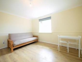 Queens Road, Slough SL1 - Furnished