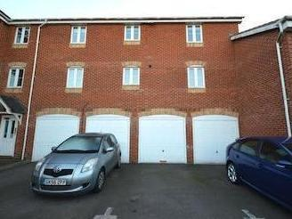 Epsom Close, Stevenage Sg1 - Listed