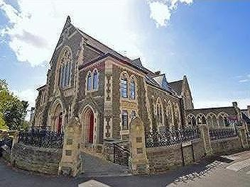 Fantastic location just a short walk to Clevedon Town Centre