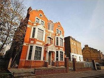 Queens Road New Cross SE14 - Listed