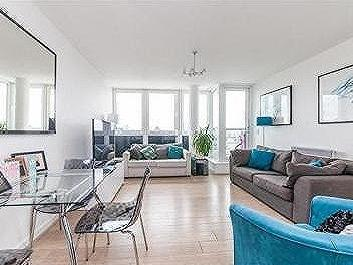 Phoenix Way, SW18 - Double Bedroom
