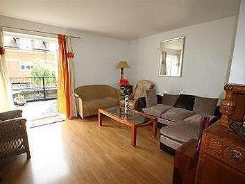Flat to rent, Slough - Balcony
