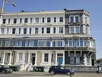 Flat for sale, Kingsway, Hove