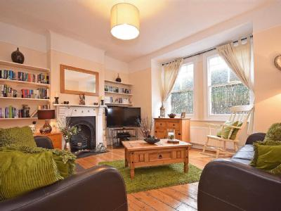 Franciscan Road, Sw17 - Fireplace