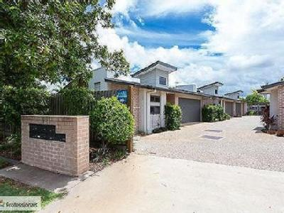 Flat to buy Broadwater Tce - Patio