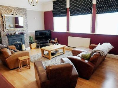 House for sale, Grove Road - Detached