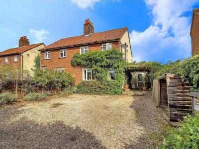 Hill View, Worstead, NR28 - Patio