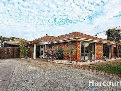 House to buy Carlisle Drive - Garden