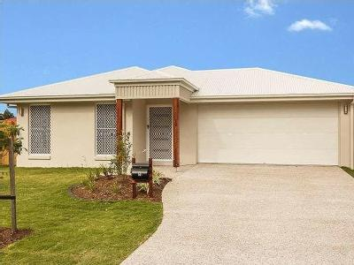 House to let 9 Riparian Ct - Air Con
