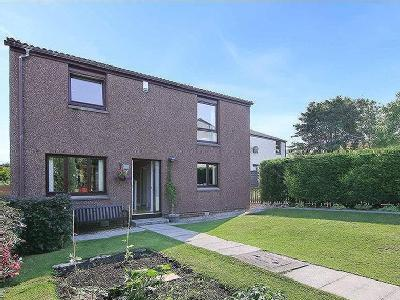 Chestnut Grove, Bo'ness, EH51