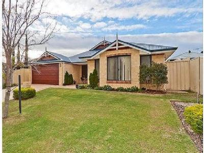 6 homes for rent in banksia grove by remax nestoria 5 lynnburn pass carramar 6031 wa malvernweather Image collections
