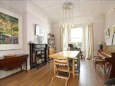 3 bedroom house for sale - Reception