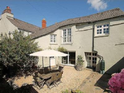 9 properties for sale from marchand petit nestoria for Kingsbridge house