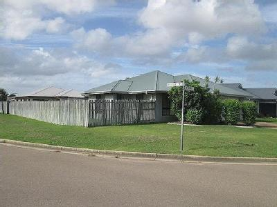 Berry Court, Kirwan 4817, QLD - House