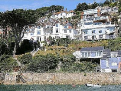 Cliff Road, Salcombe, TQ8 - Modern