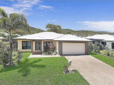 Hilton Way, Mount Louisa - Garden