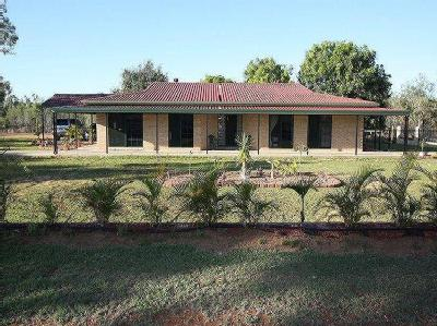 Wilson Court, Charters Towers