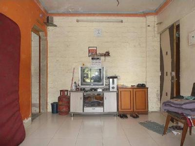 2 BHK Flat to let, N G Garden - Lift
