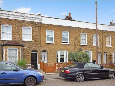 Kirkwood Road, Se15 - Double Bedroom