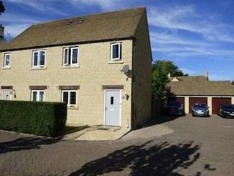 The Wern, Lechlade Gl7 - Patio