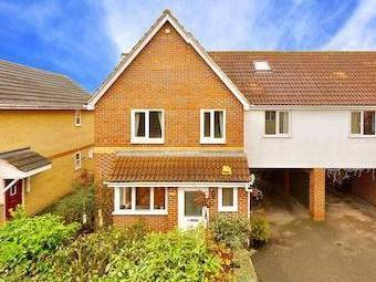 Isaac Square, Great Baddow, Chelmsford, Essex Cm2