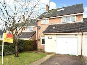 Blakes Avenue, Witney OX28 - Detached