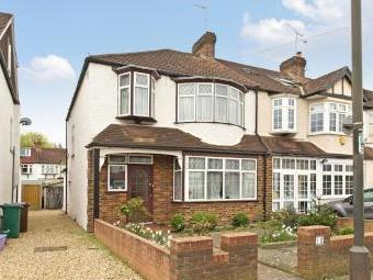Meadow Close Sw20 - Garden, Terrace
