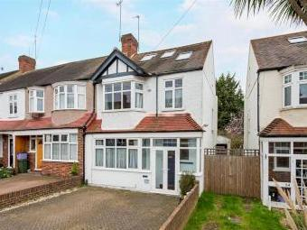 Meadow Close Sw20 - Cul-de-Sac