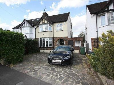 Long Deacon Road, North Chingford, E4